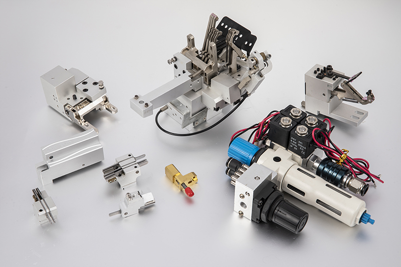 Selection of two-way solenoid valve accessory solenoid valve power supply conditions